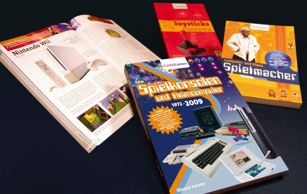 Bücher aus Winnie Forsters Gameplan-Verlag. (Bild: Winnie Forster)