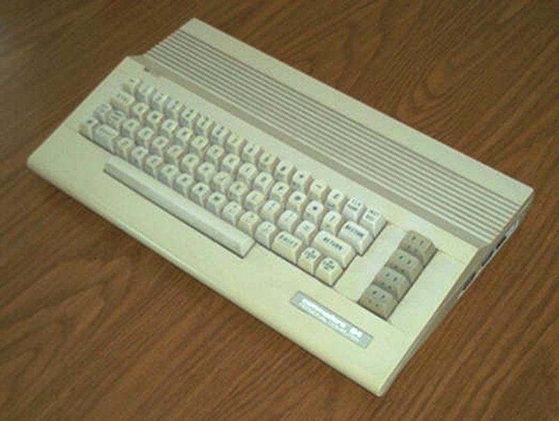 Der Commodore 64 wurde von 1982 bis 1994 gebaut und ist mit über 30 Millionen verkauften Einheiten der erfolgreichste Heimcomputer aller Zeiten. (Bild: Toddy S)