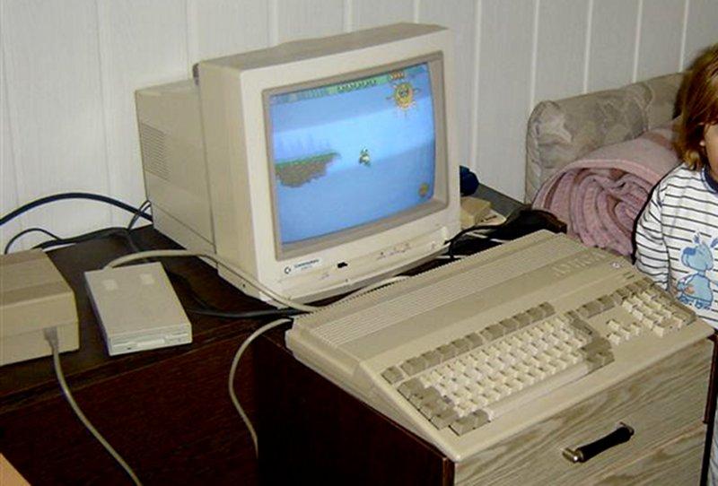Der Amiga 500 kam 1987 auf den Markt und kostete damals 1.098 DM. Die 32-Bit-Architektur des Amiga war zum Zeitpunkt seiner Veröffentlichung herausragend. (Bild: Toddy S)
