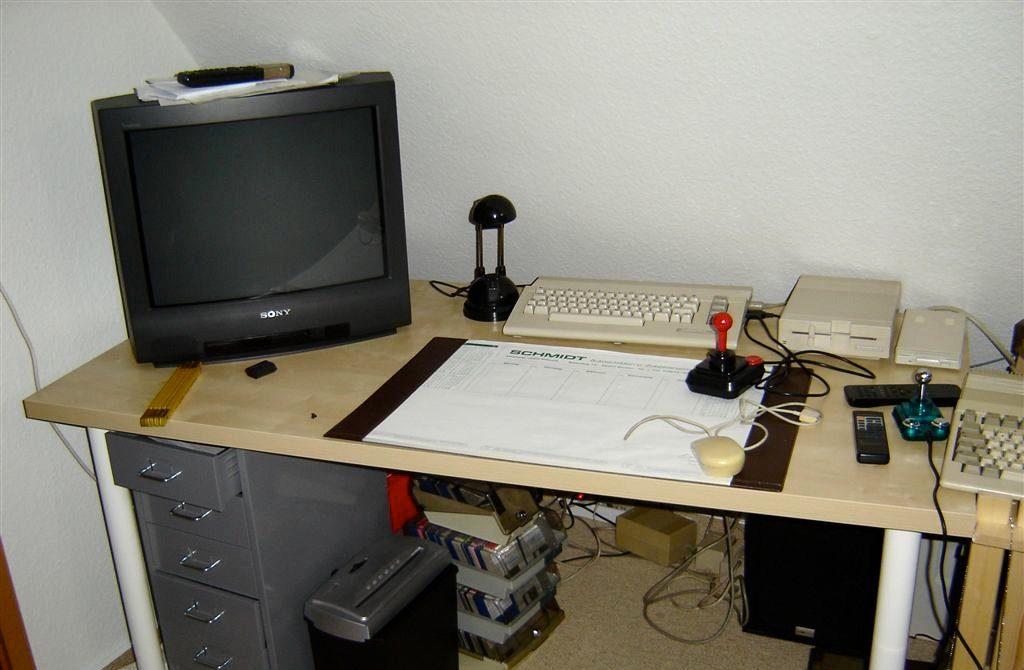 Die kleine C64-Daddelecke auf dem Dachboden. Idealer Rückzugsort für eine kleine Partie R-Type. (Bild: Toddy S)