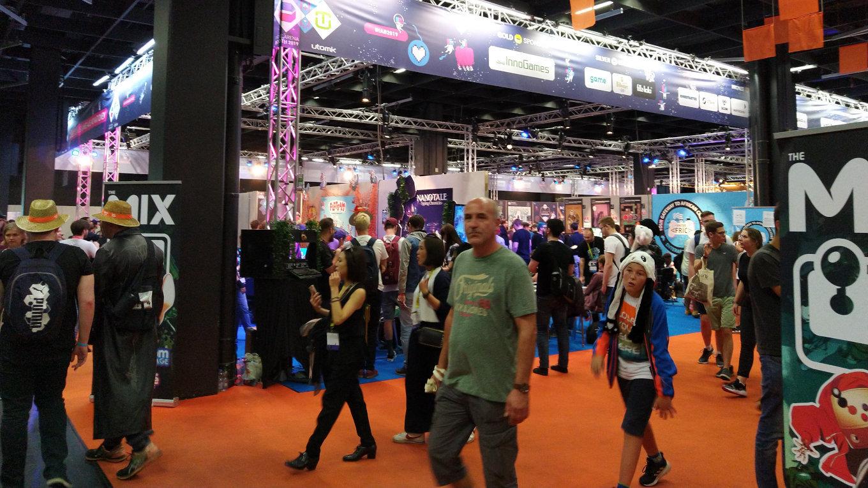 Die Indie-Booth in Halle 10.2 ist dieses Jahr noch größer geworden (Bild: Sabine Seggewiß)