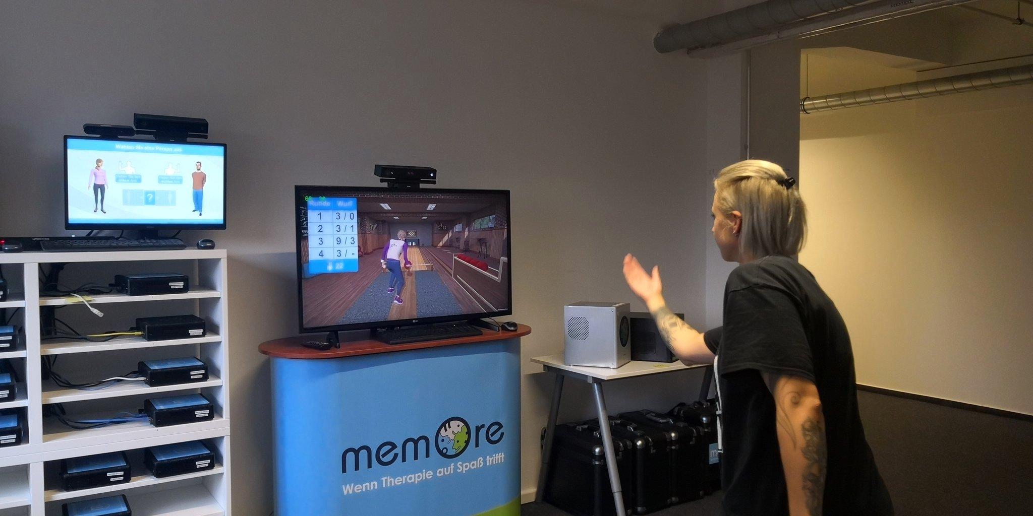 An der Teststation werden die Spiele der memoreBox auf Herz und Nieren geprüft. (Bild: Mandy Jerdes)