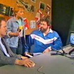 Biggi und Klaus am 8. April 1986 in der Infoecke mit einem Studiogast. Der Gast von Commodore stellt den neuen Personal Computer Amiga vor. (Bild: ZDF)