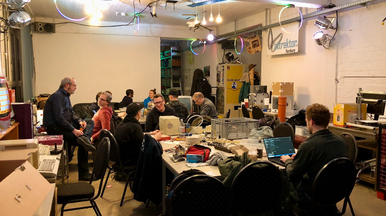 Hier findet jeder einen Platz: der zentrale Raum des Makerspace Attraktor. (Bild: André Eymann)
