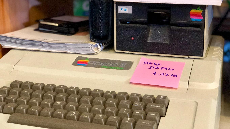 Der Apple II von Steffen Wernéry hat seine neue Heimat im Attraktor gefunden. (Bild: André Eymann)