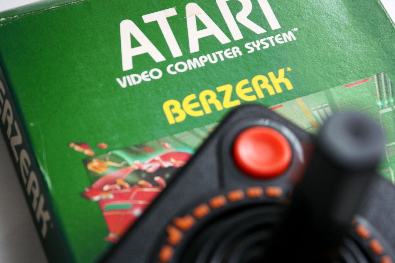 """Sollte mit Schutzaufkleber verkauft werden: """"Berzerk spielen kann ihr Leben drastisch verkürzen."""" (Bild: Boris Kretzinger)"""
