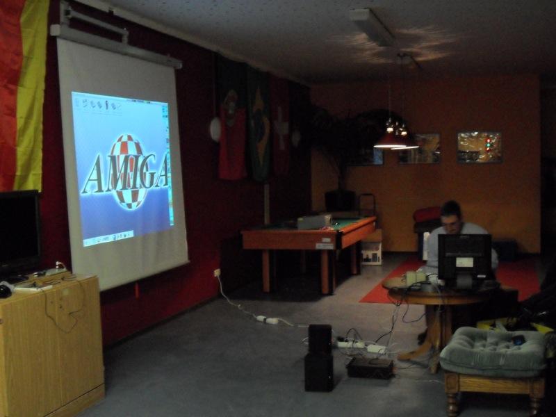 Bei der Präsentation von MorphOS konnte man erfahren, welche Möglichkeiten das AmigaOS kompatible Betriebssystem für PowerPCs bietet. (Bild: Daniel Rene Steinbiss)